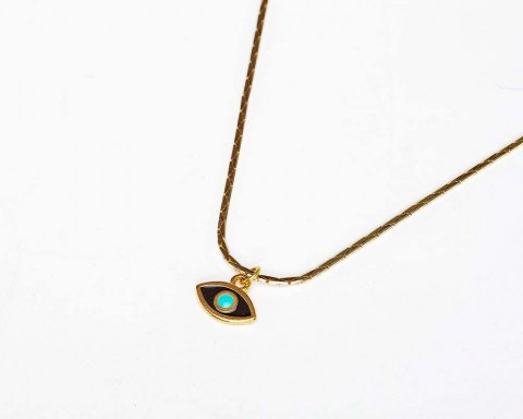 Necklace_w_chai_a005.jpg